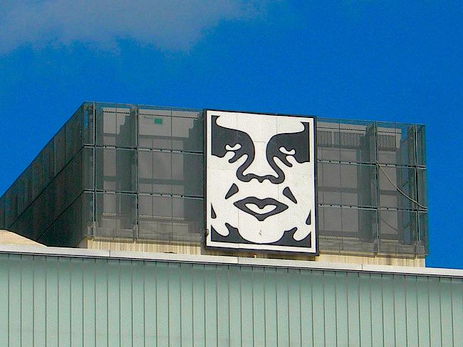 """Mit """"Andre The Giant"""" wurde Fairey in den frühen 90er bekannt. Heute man ihn nicht mehr nur auf Stickern. (Foto:  flickr/JasonParis)"""