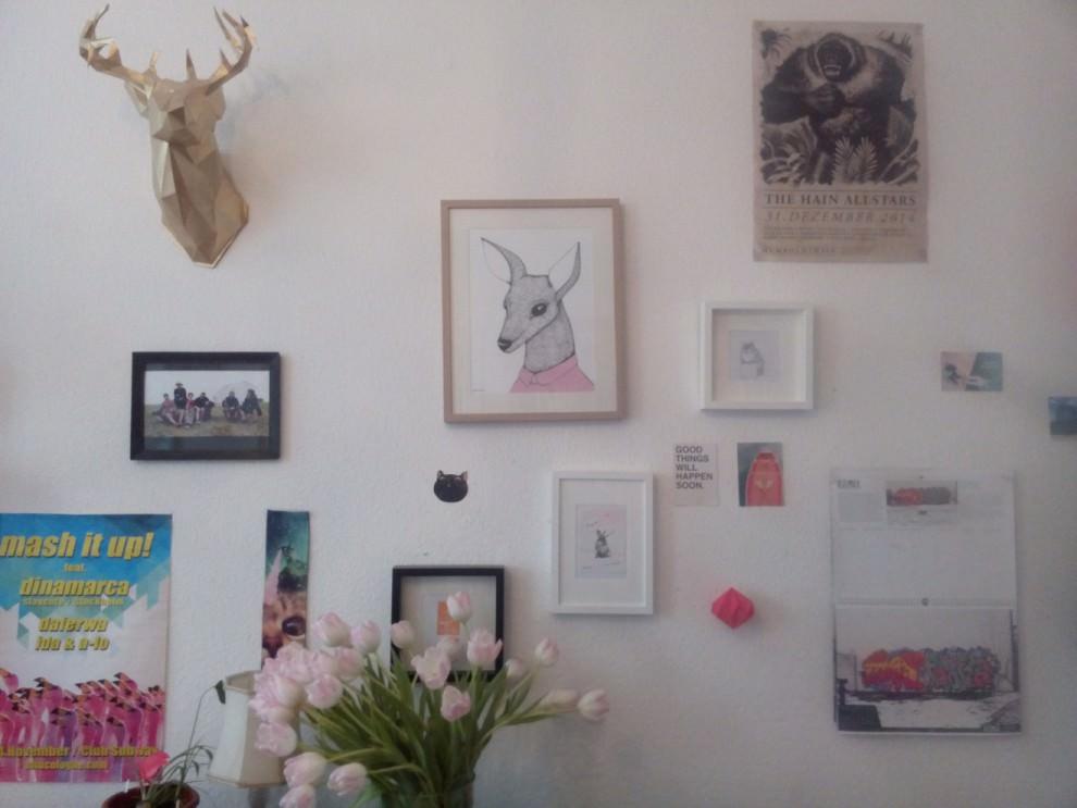 Hirsch an der Wand